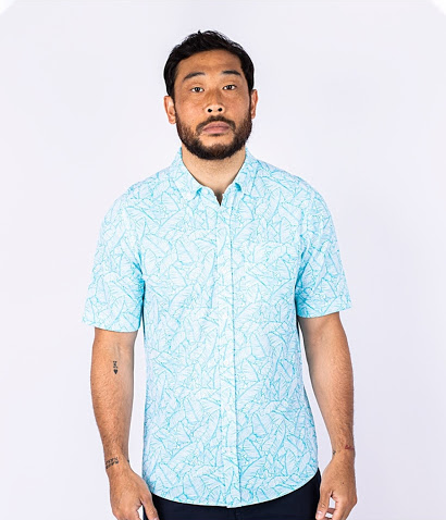 Man wearing Cutter and Buck Men's Reach Oxford Print Button Down Shirt